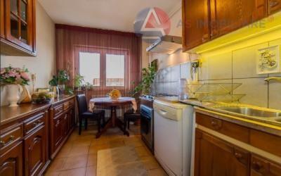 Apartament spatios pe 4 camere, pozitionare panoramica, Brasov
