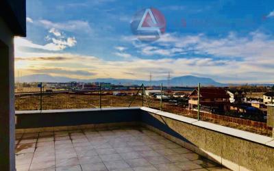 Penthouse pe doua niveluri, terasa de 38mp, Sanpetru, Brasov