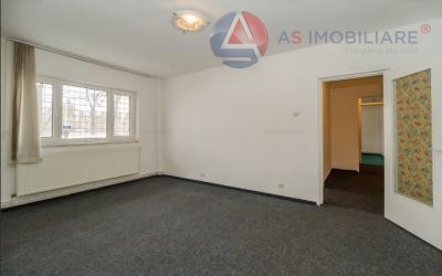Apartament spatios ,decomandat, 2 bai, Brasov