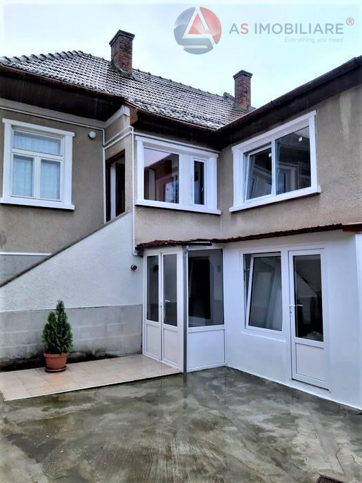 Apartament in casa, cu gradina in suprafata de 250mp, Brasov