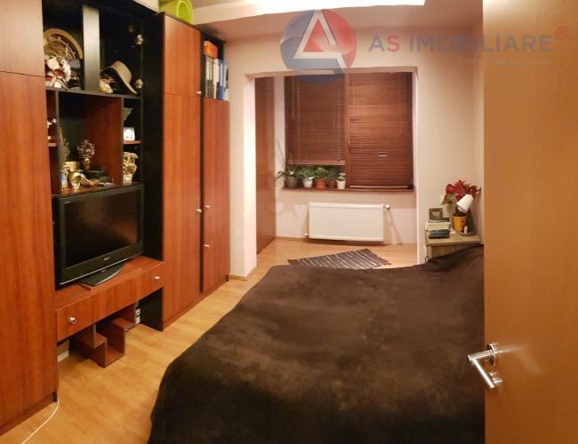 Apartament etaj intermediar cu 3 balcoane, Racadau, Brasov